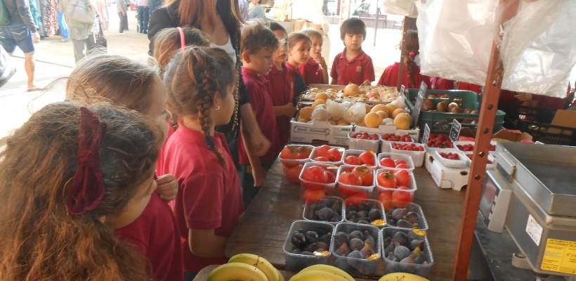 Visita al mercat itinerant de Montgat